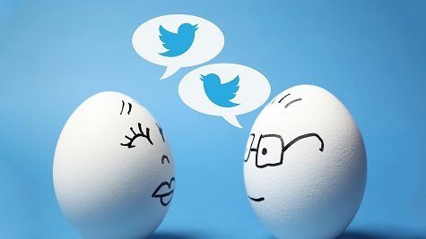 2 eggs talking tweets