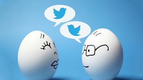 2 eggs talking tweets